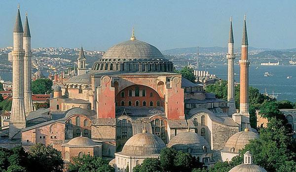 Προκλητικός ο Ερντογάν: Μπορεί να πούμε την Αγία Σοφία τζαμί, αντί για μουσείο
