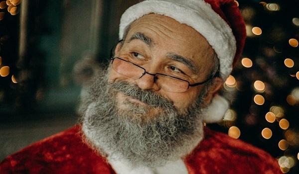 Η δουλειά των ονείρων όσων αγαπούν τα Χριστούγεννα είναι εδώ