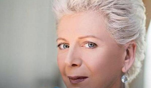 Έλενα Ακρίτα: Αντί να ξεφορτωθούμε τους ανίκανους, διώχνουμε τους ικανούς