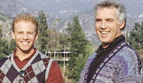 """Μετά τον Λουκ Πέρι πέθανε και άλλος ηθοποιός της σειράς """"Beverly Hills"""""""