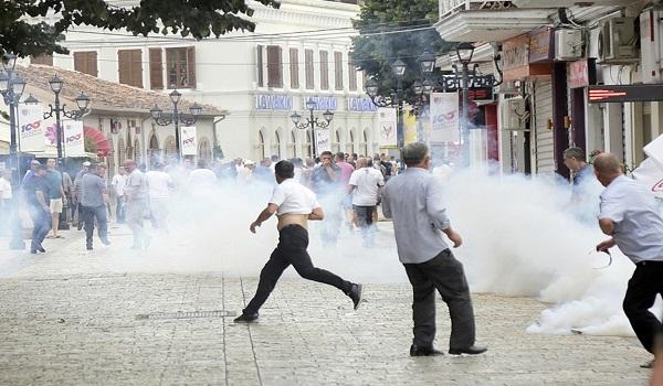 Χάος στην Αλβανία. Νέες μεγάλες διαδηλώσεις κατά του Ράμα