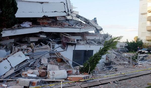 Σεισμός - Αλβανία: Αυξάνονται οι νεκροί, εκατοντάδες τραυματίες  - Μάχη με τον χρόνο για τους εγκλωβισμένους