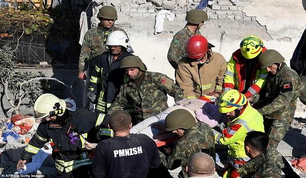 Αλβανία: Στους 30 οι νεκροί του φονικού σεισμού - Άγνωστο πόσοι βρίσκονται θαμμένοι στα συντρίμμια