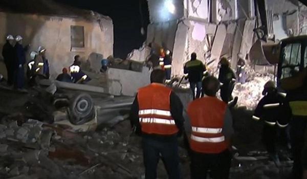 Αλβανία: Σοκ on air - Διασώστες τρέχουν να γλιτώσουν από ετοιμόρροπο κτίριο - Τραγικές ιστορίες στα ερείπια