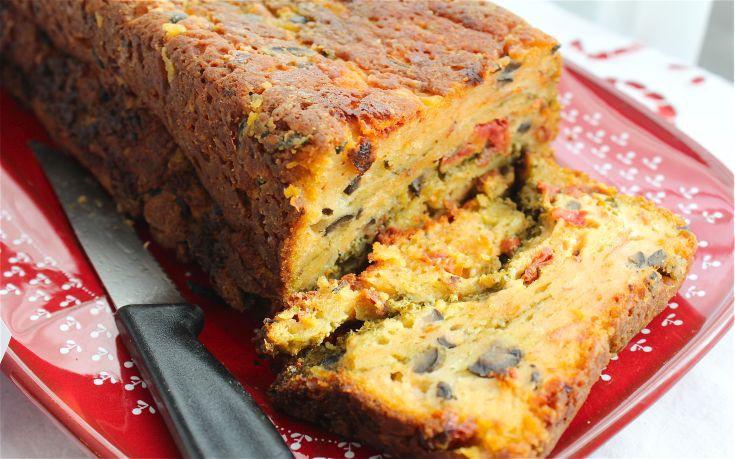 Αλμυρό κέικ με ζαμπόν και λαχανικά