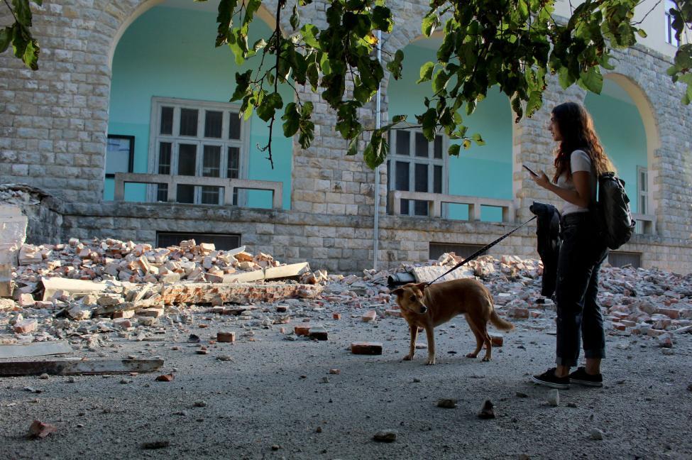 Σεισμός στην Αλβανία: 105 τραυματίες και ερείπια άφησε πίσω του το διπλό χτύπημα