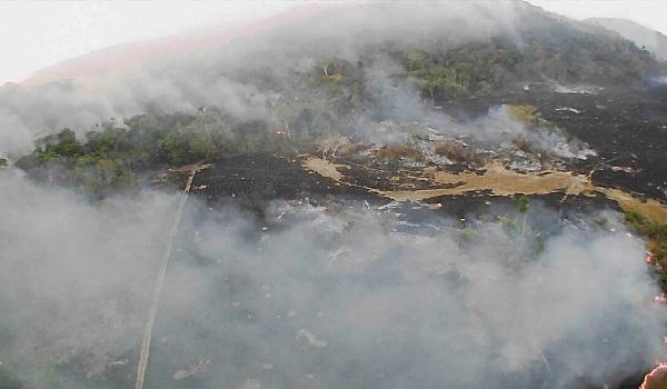 Παγκόσμια οργή κατά Μπολσονάρου για τις φωτιές στον Αμαζόνιο