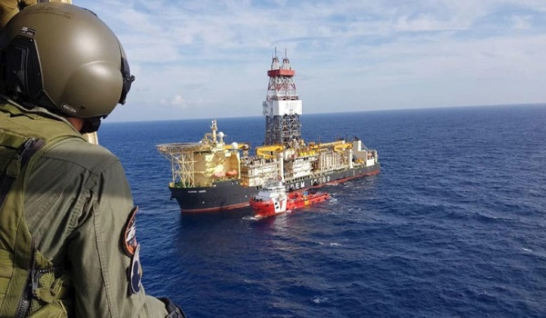 Κυπριακή ΑΟΖ: Για δέκατη μέρα η Άγκυρα κρατά εγκλωβισμένο το γεωτρύπανο