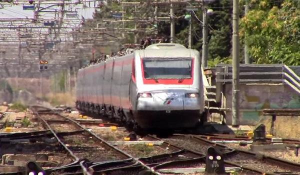 Ασημένιο Βέλος: Πως είναι μέσα το τρένο που θα κάνει Αθήνα - Θεσσαλονίκη σε 3,5 ώρες