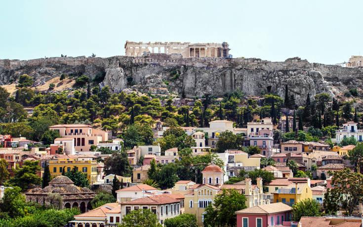 Πώς αξιολογούν οι τουρίστες την Αθήνα - Ποια αρνητικά εντοπίζουν