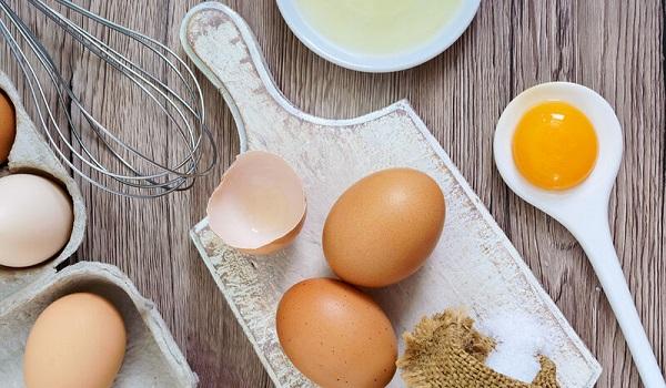 Έρευνα ανατροπή για τα αυγά: Πόσο κινδυνεύει η υγεία μας;