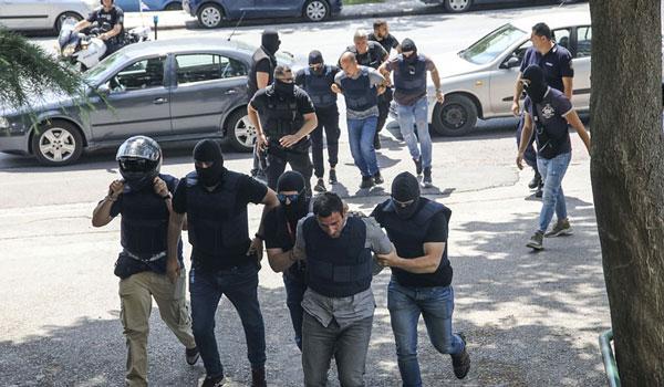 Ληστεία ΑΧΕΠΑ: Οι τρεις συλληφθέντες στέλνουν μήνυμα μέσα από τα κρατητήρια