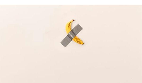 Η μπανάνα των 120.000 δολαρίων του Μαουρίτσιο Κατελάν φαγώθηκε