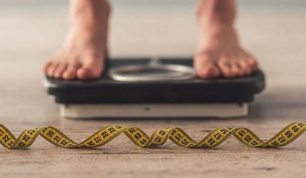 Σωματικό βάρος: Βρήκαν για ποιον λόγο παχαίνουμε καθώς μεγαλώνουμε