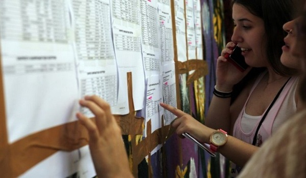 Πανελλαδικές εξετάσεις 2019: Αγωνία τέλος, αύριο ανακοινώνονται οι βαθμολογίες