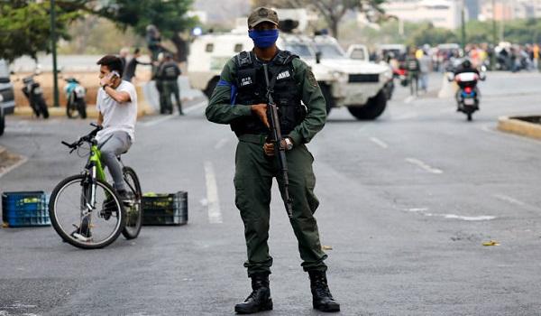 Στην κόψη του ξυραφιού η Βενεζουέλα. Ανησυχία στη διεθνή κοινότητα