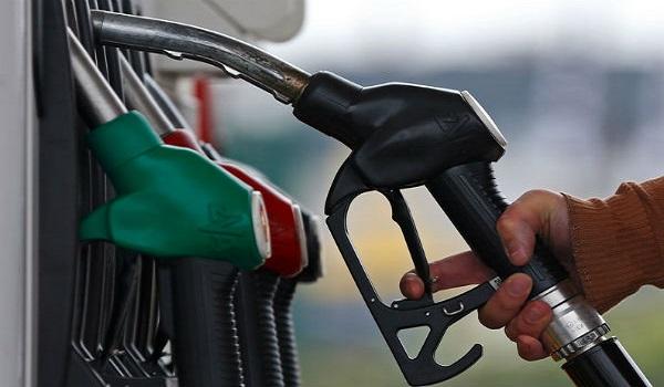 Οι 17 νομοί που μπαίνει πλαφόν στην τιμή της βενζίνης