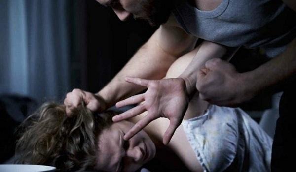 Σοκ στη Λαμία: Πατέρας εξέδιδε την κόρη του που έχει νοητική υστέρηση