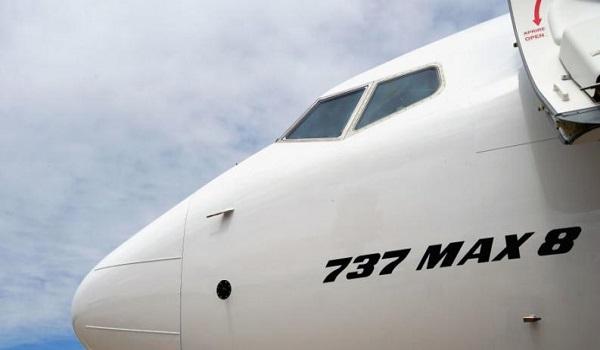 Συναγερμός στη Ρωσία: Αναγκαστική προσγείωση Boeing 737-800