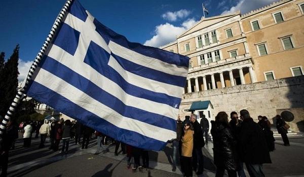 Pubic Issue: Στρατό και  Αστυνομία οι θεσμοί που εμπιστεύονται οι Έλληνες