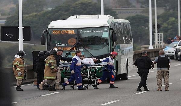 Βραζιλία: Λεωφοροπειρατεία στο Ρίο ντε Τζανέιρο - Νεκρός ο δράστης