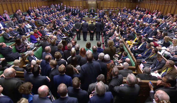 Βρετανοί βουλευτές: Όχι σε δεύτερο δημοψήφισμα, ναι στην αναβολή του Brexit