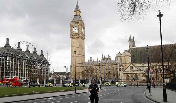 Συναγερμός στο κοινοβούλιο της Βρετανίας – Εντοπίστηκε ύποπτο πακέτο
