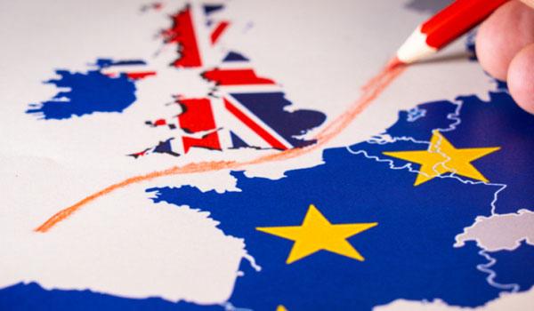 "Brexit: ""Μια ανάσα"" πριν από τη συμφωνία Λονδίνο και Βρυξέλλες"
