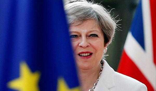 """Brexit: """"Παράθυρο"""" από Μέι για ευρωεκλογές και νέα αναβολή"""