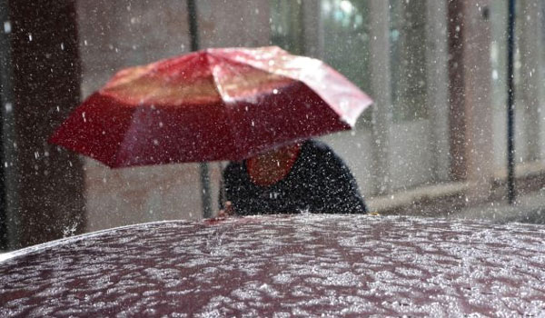 Ισχυρές καταιγίδες, χιόνια και πτώση θερμοκρασίας, αύριο Παρασκευή