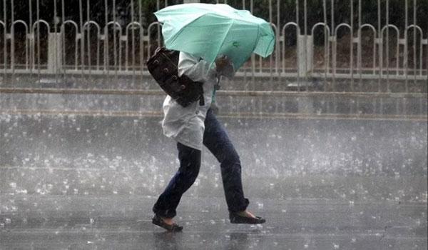 Αυξημένες νεφώσεις και βροχές, 8 μποφορ στα πελάγη