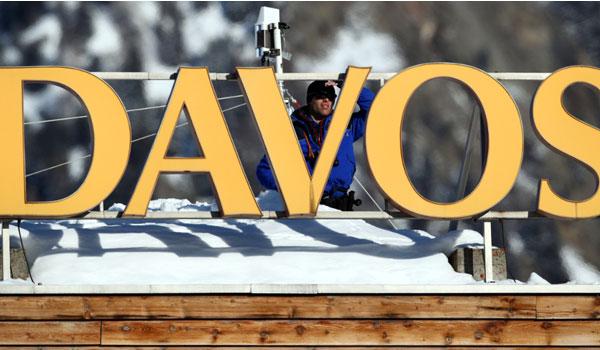 """""""Θρίλερ"""" στο Νταβός: Εντόπισαν Ρώσους κατασκόπους που εμφανίσθηκαν ως υδραυλικοί"""