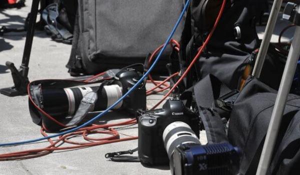 Πακιστάν: Δημοσιογράφος συνελήφθη έξω από το σπίτι του