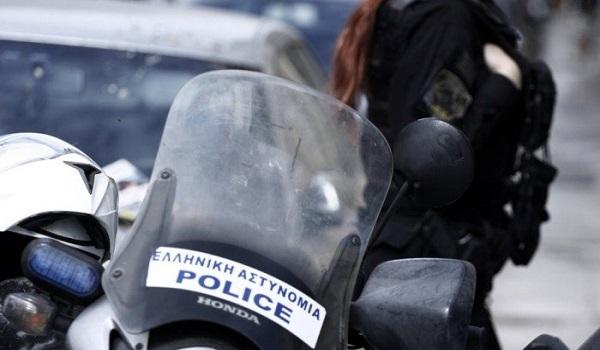 Τροχαίο με σύγκρουση δύο ΙΧ στη Θεσσαλονίκη