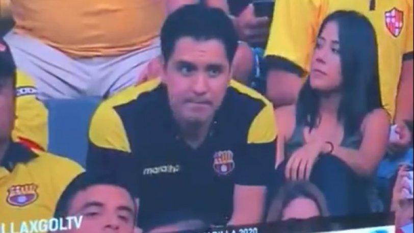 Τον τσάκωσε η κάμερα στο γήπεδο να φιλά τον παράνομο δεσμό του. Βίντεο