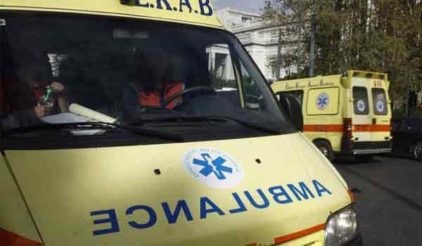 Σφοδρό τροχαίο με μηχανάκι στη Λαμία: Σύρθηκε 40 μέτρα στο οδόστρωμα