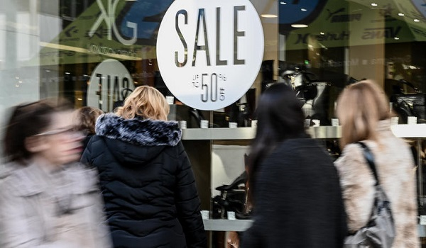 Χειμερινές εκπτώσεις: Ανοιχτά τα μαγαζιά την Κυριακή