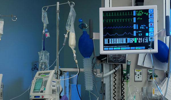 Τη μάχη της ζωής δίνει 26χρονη που πήγε να γεννήσει και κατέληξε εγκεφαλικά νεκρή