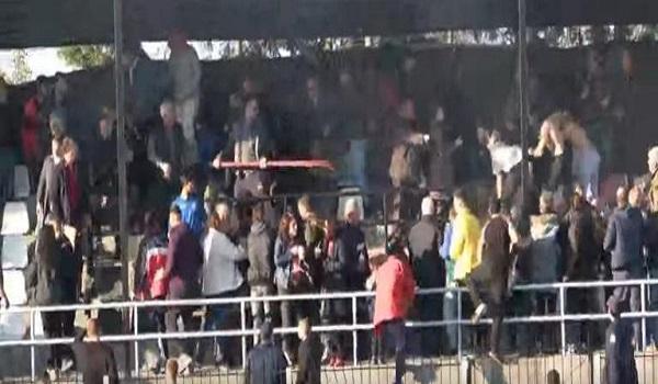 Επεισόδια σε ματς της Γ' Εθνικής: Εκτοξεύονται καρέκλες, πέτρες και κοντάρια