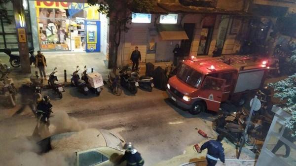 Πολιτική κόντρα για τους κουκουλοφόρους - Αστυνομικοί: Θα θρηνήσουμε θύματα