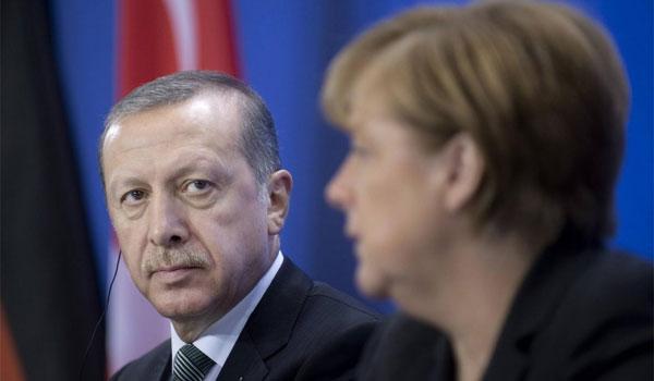 Η Μέρκελ προτείνει ζώνη ασφαλείας υπό διεθνή έλεγχο στα σύνορα Συρίας -Τουρκίας