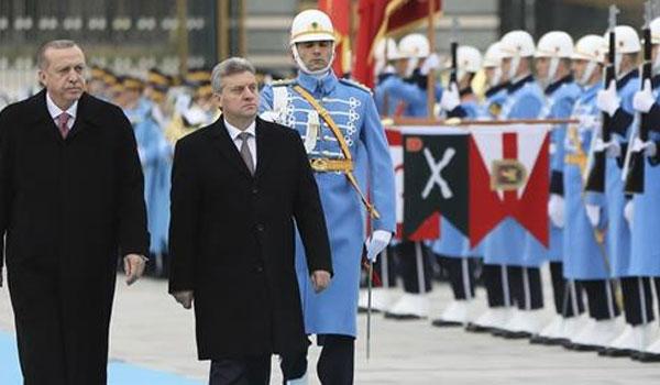 Ο Ερντογάν τάσσεται στο πλευρό των Σκοπίων και στηρίζει  Ιβάνοφ