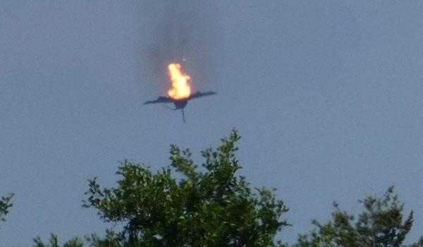 Συντριβή μαχητικών στη Γερμανία - Νεκρός ο ένας πιλότος. Σοκαριστικό Βίντεο