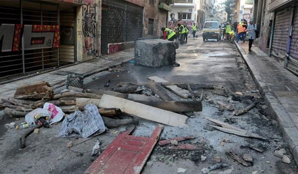 Η επόμενη ημέρα των επεισοδίων: Βομβαρδισμένο τοπίο θυμίζουν Αθήνα και Θεσσαλονίκη
