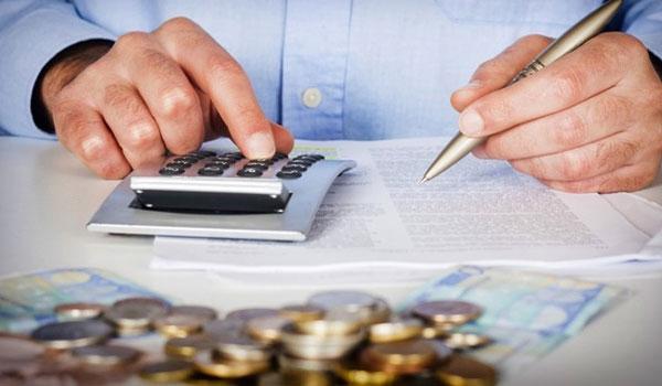 Εξωδικαστικός: Περισσότεροι και με μεγαλύτερα χρέη στη ρύθμιση των 120 δόσεων