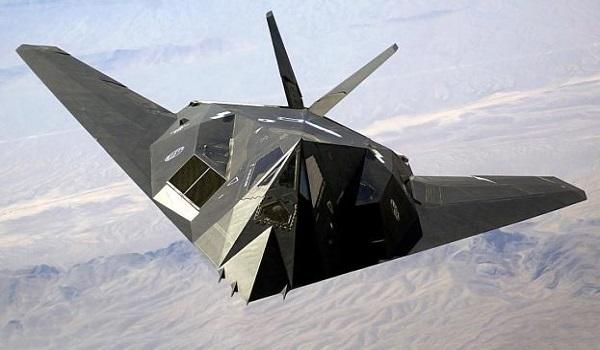 Το μυστηριώδες F-117 έκανε και πάλι την εμφάνισή του και κανείς δεν ξέρει γιατί