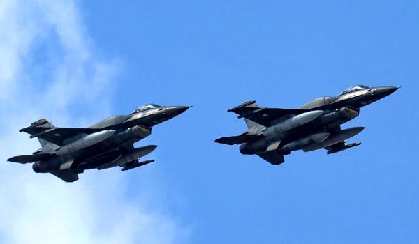 Τουρκική πρόκληση ανήμερα της εθνικής επετείου – Tουρκικά F-16 πέταξαν πάνω από τη Ρω