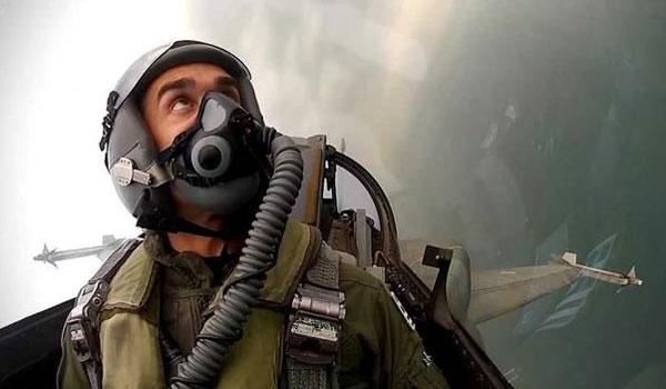 Συγκίνησε ο πιλότος του F-16: Ας ατενίσουμε το μέλλον με αισιοδοξία και ελπίδα!