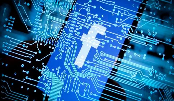 Το Facebook σταματά να «κρυφοκοιτάζει» τις επαφές του κινητού μας
