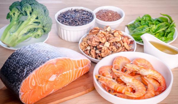 Ωμέγα 3 λιπαρά: Τι ισχύει, ποιες τροφές χρειάζεστε ουσιαστικά
